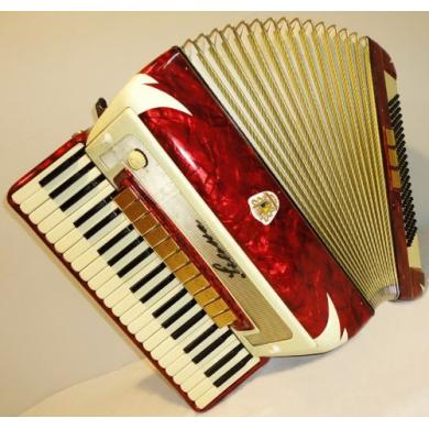 Siletta, 120 Bass, 14 Registers, German Piano Accordion, 77
