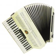 Royal Standard Campania 120 Bass, made in Germany, Amazing Accordion, Case, 1088, Very Beautiful and Quality Sound.