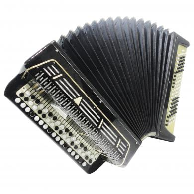 Almost Unused! Sarmat Bayan, Russian Button Accordion, 100 Bass, incl. Case 1282, Button Box Accordian, Very Beautiful sound!
