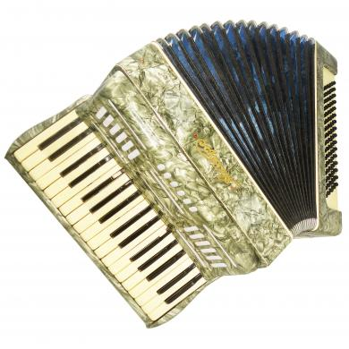 Akkord, Folk Piano Accordion, 80 Bass, Vintage Accordian, made in Russia, 1216, Used Instrument for Sale, Bright and Quality sound!