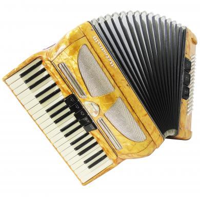 Perfect Lignatone Melodia III, 80 Bass, Piano Accordion, Case, New Straps, 1218, made in Czechoslovakia, Amazing sound.