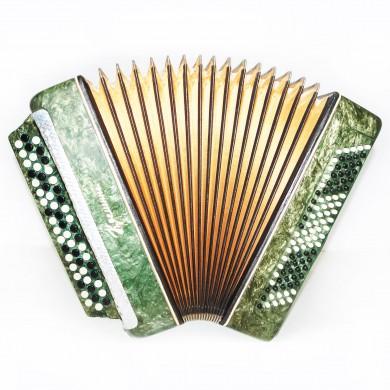Folk Ukrainian Button Accordion, Bayan Kreminne, 100 Bass, B System, Case, 1394 Very Beautiful sound.