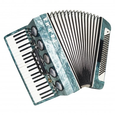 Close to New! Russian Piano Accordion Gamma, 120 Bass, New Straps, Case, 1504, Very Beautiful and Powerful Sound.