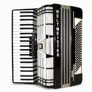 Weltmeister Amigo 120 Bass made in Germany Piano Accordion, New Straps Case 1561, Amazing Original Accordian, Excellent sound.