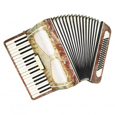 Piano Accordion Octava, made in Russia, 80 Bass, 3 Switches New Straps Case 1707, Very Beautiful sound.