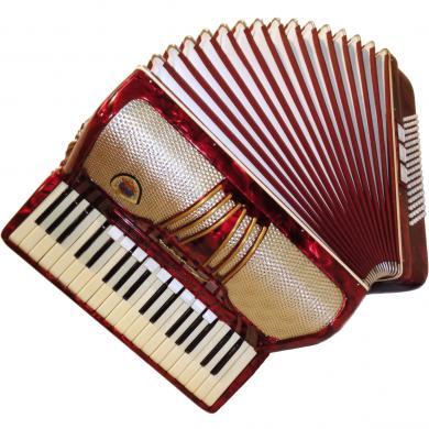Spranger Amoretta, 96 Bass, 12 Registers, Case, German Piano Accordion, 350